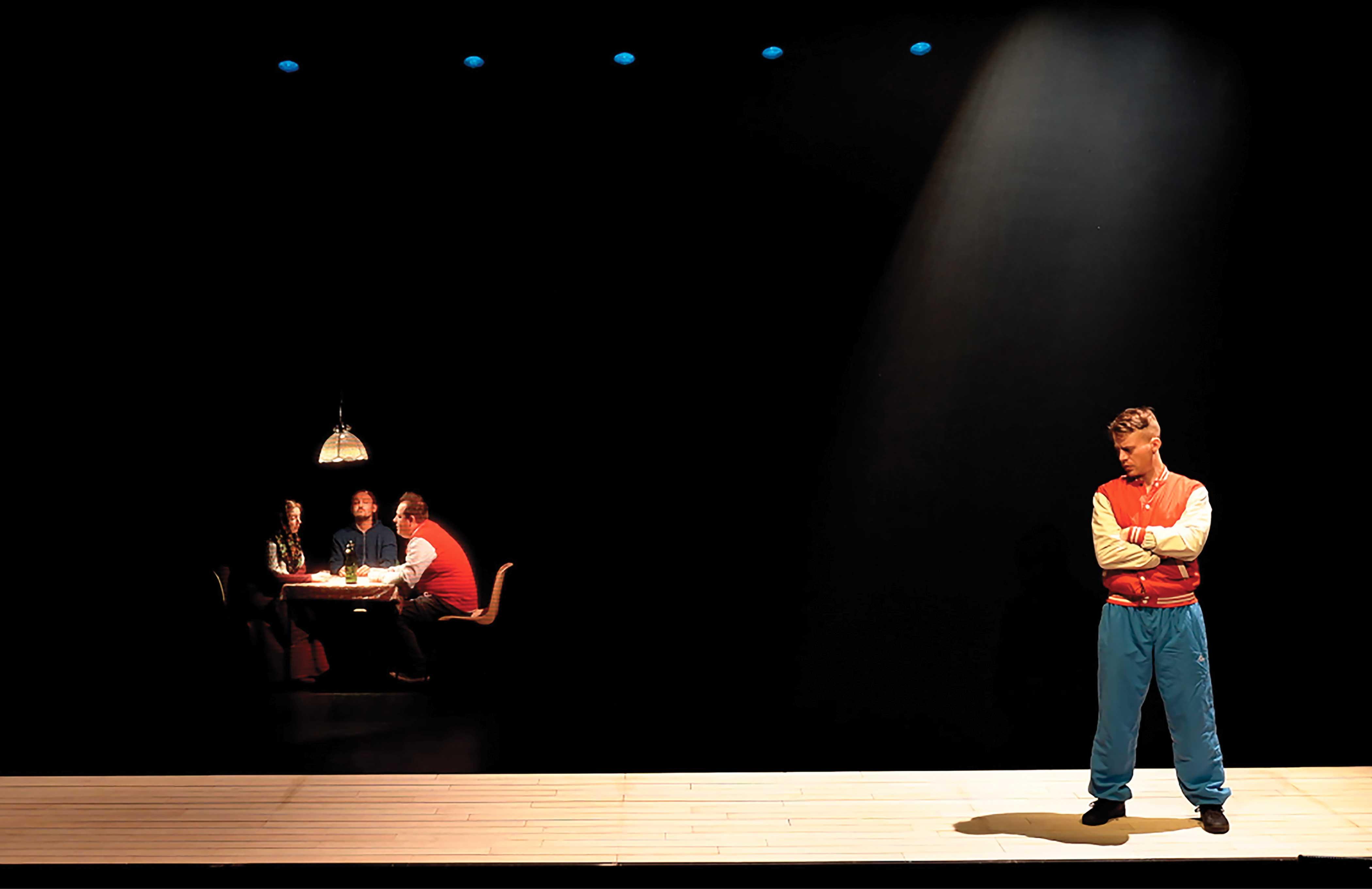 Theatre-de-Givors_Presque-egal-a_(c)Cie-du-Bonhomme